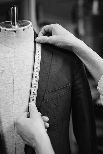 Lavori-di-sartoria-per-negozi-abbigliamento-milano